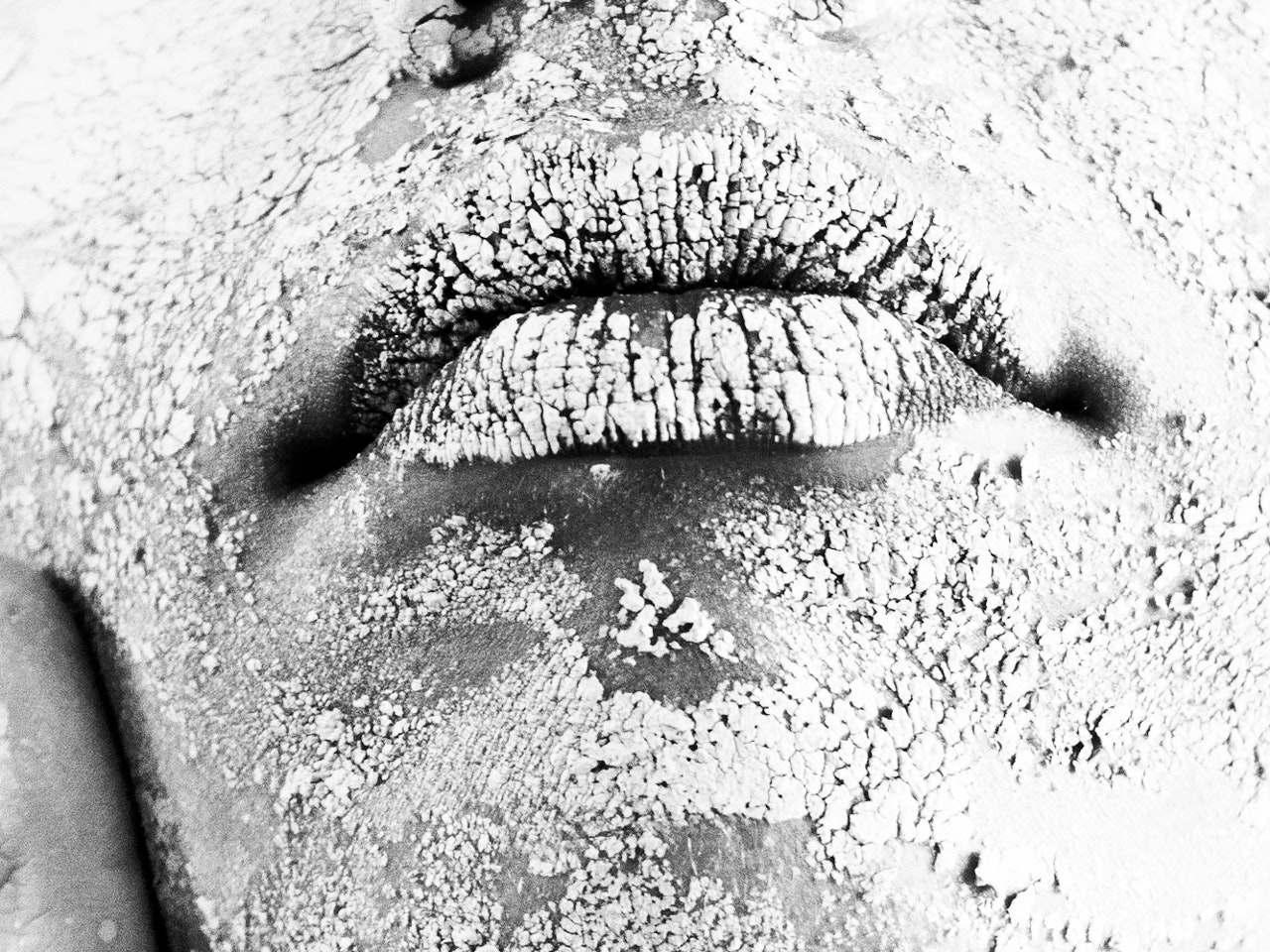 Se i tuoi denti parlassero? Aggressività e crisi di coppia - Divenire Magazine